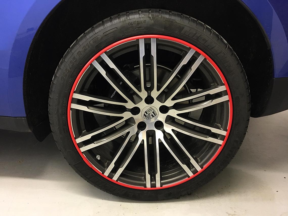 AlloyGators - Porsche Macan - Red Exclusive