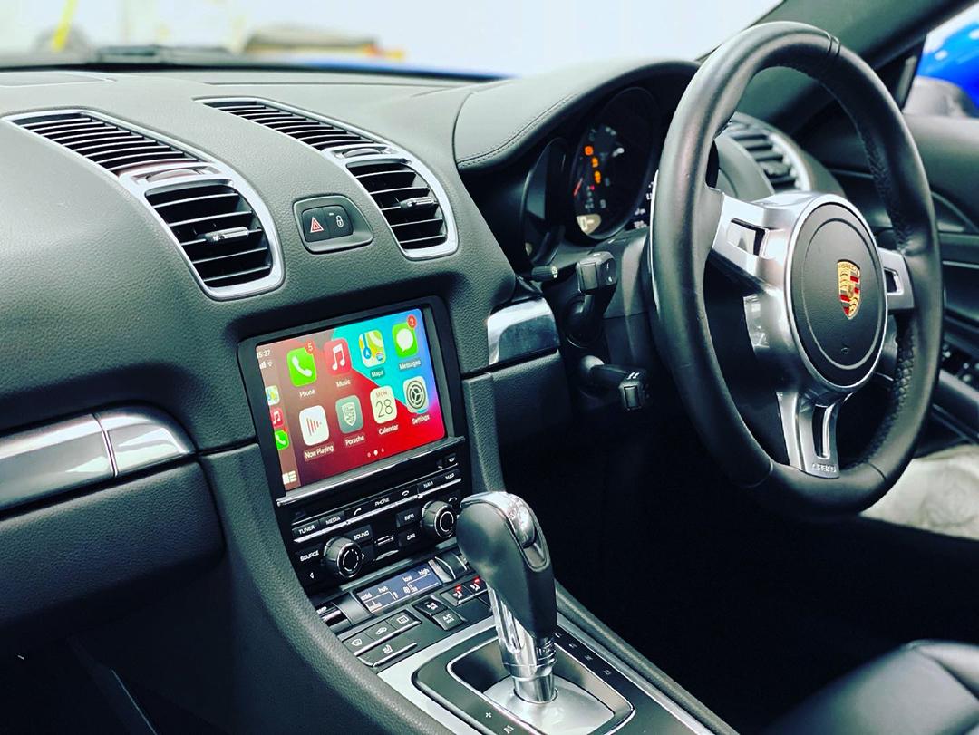 Porsche Cayman Apple Carplay